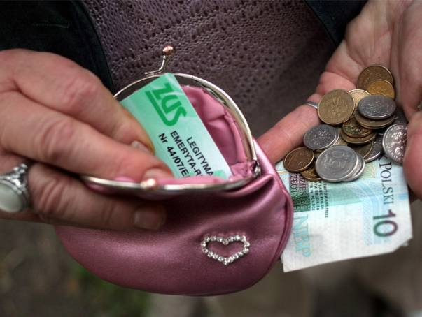 - Po waloryzacji w moim portfelu pojawi się ponad 50 złotych więcej. To wciąż za mało - powiedziała nam pani Janina z Kolbuszowej.