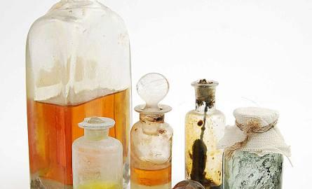 Naczyna apteczne z oryginalnymi lekami, XVII-XIX wiek