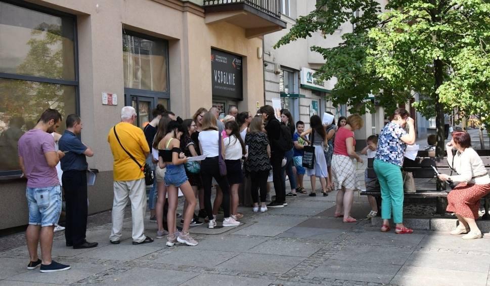 Film do artykułu: Trwa casting. W Kielcach szukają statystów do filmu historycznego (ZDJĘCIA)