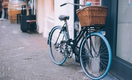 Nowe stojaki dla rowerów i stacje naprawy
