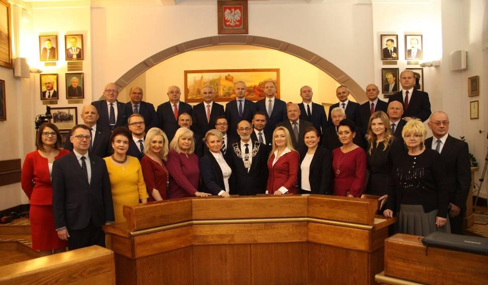 Film do artykułu: Pierwsza sesja Rady Miasta Lublin: Koalicja bierze wszystko, PiS prawie nic