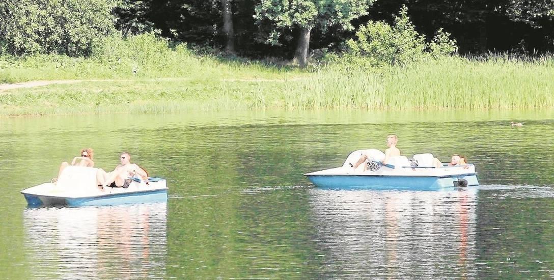 Ostatni weekend   na pływalniach i na łódkach