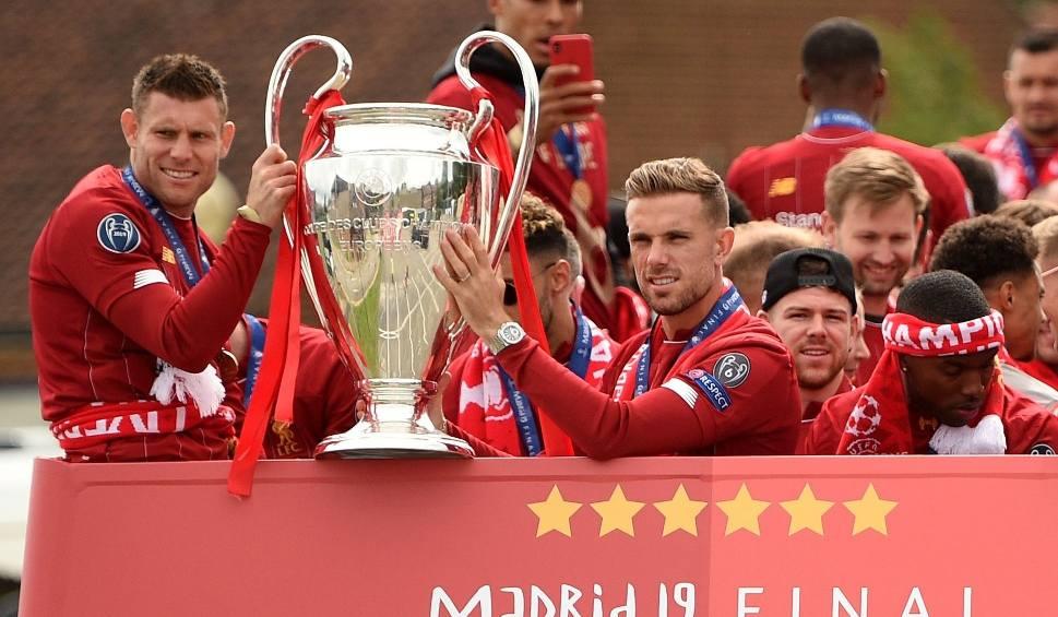 """Film do artykułu: """"The Independent"""": UEFA rozważa rozegranie finałów Ligi Mistrzów i Ligi Europy za zamkniętymi drzwiami"""