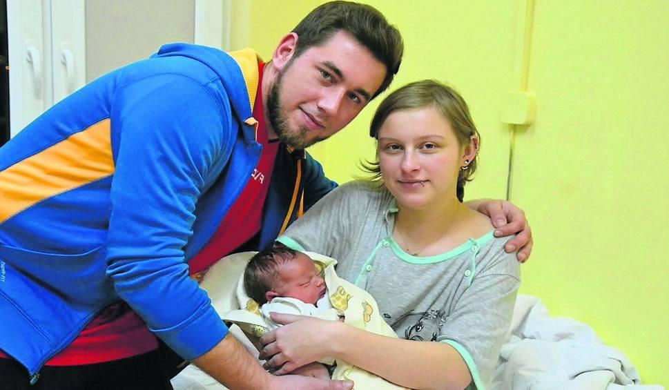 Film do artykułu: Nadal coraz rzadziej widać bociana. Ile osób się urodziło w Lipnie, a ile odeszło?