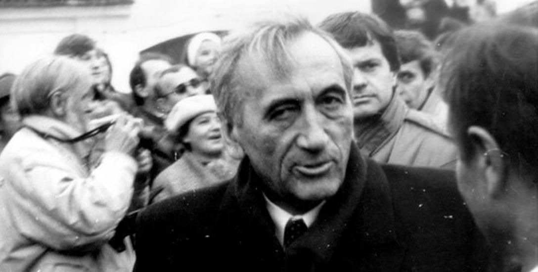 Doktrynę przyjęto za czasów premierostwa Tadeusza Mazowieckiego