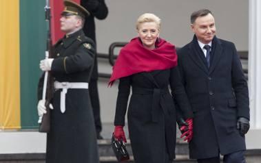 Agata Kornhauser-Duda nosi stroje szyte w Polsce, kreacje wybiera sama