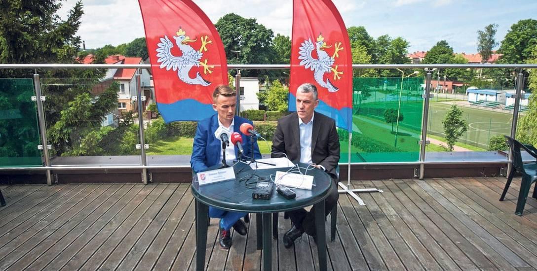 Tomasz Tesmer (z lewej): - Tylko jeden z sianowskich projektów finansowany będzie ze środków krajowych, pozostałe z unijnych
