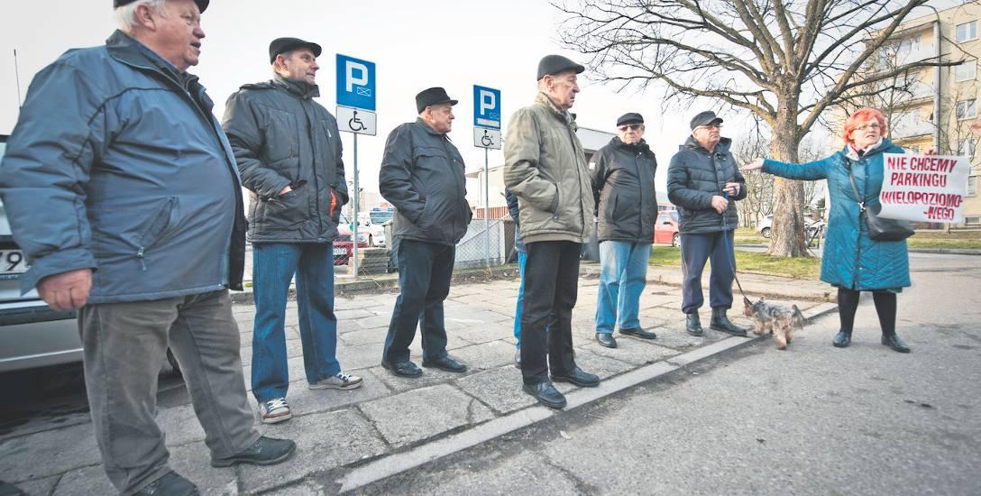 Mieszkańcy Przylesia nie chcą parkingu wielopoziomowego niedaleko Emki