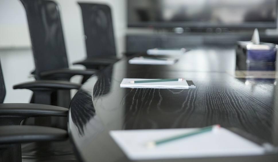 Film do artykułu: Sesja rady gminy w Rudzie Malenieckiej. Brak transmisji online