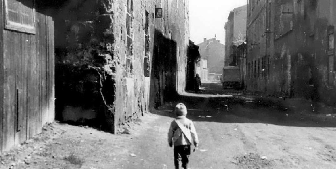 Ulica w krakowskim getcie. Prawdopodobnie lata 1941-42