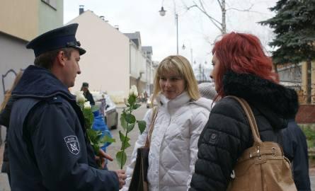 Policja zatrzymywała kobiety na ulicy (zdjęcia)