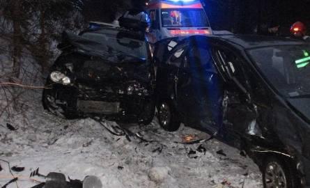Sześć osób rannych w zderzeniu aut na górskiej drodze [ZDJĘCIA]