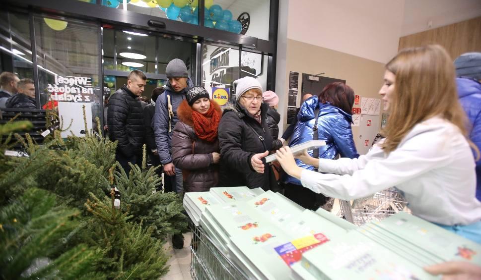 Film do artykułu: Otwarcie Lidla w Zabrzu: Tłumy klientów zadowolone z prezentów. Zabrze ma już 8 sklepów Lidl