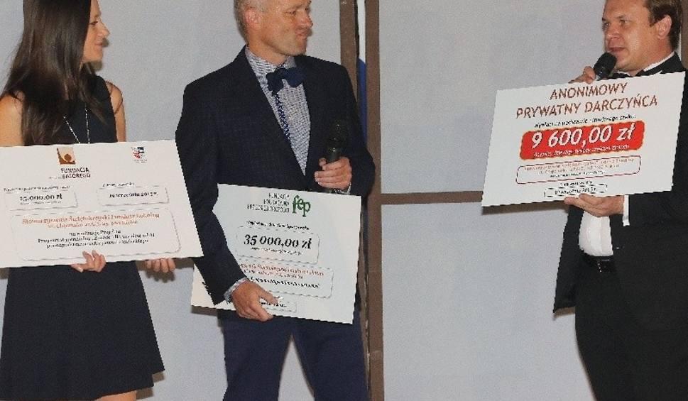 Film do artykułu: Pomoc z modą w tle, czyli 15. Wieczór Modnych Filantropów za nami. Tym razem zebrano ponad 70 tysięcy złotych! [WIDEO, zdjęcia]