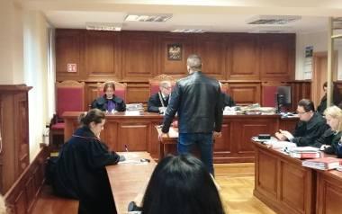 """Paweł P. """"Ramzes"""" jest dobrze znany prokuraturze w Poznaniu. Śledczy oskarżyli go nie tylko o gwałty, ale także składanie fałszywych"""