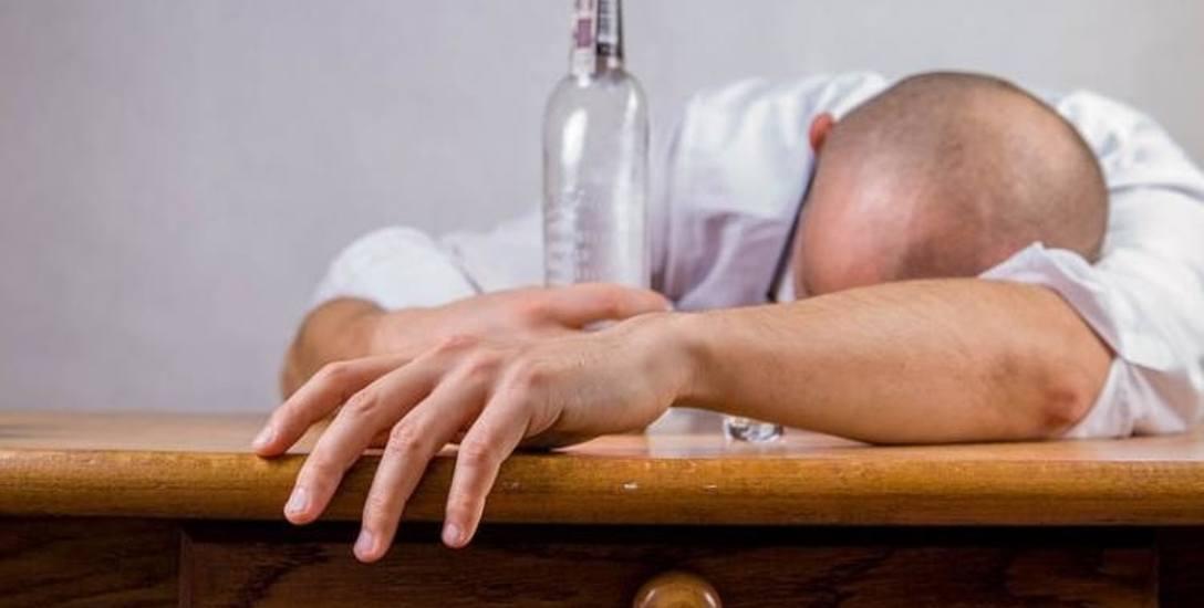 Alkoholowa libacja zakończyła się śmiercią jednego z biesiadników