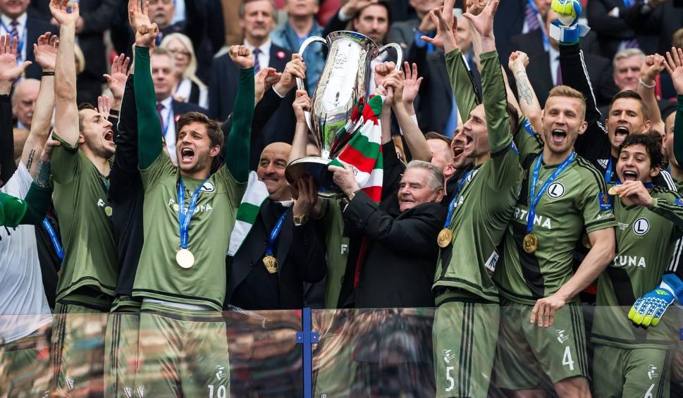 Film do artykułu: Finał Pucharu Polski. Legia - Lech 1:0. Zwycięstwo Legii przysłonięte dymem z rac [ZDJĘCIA] [VIDEO]