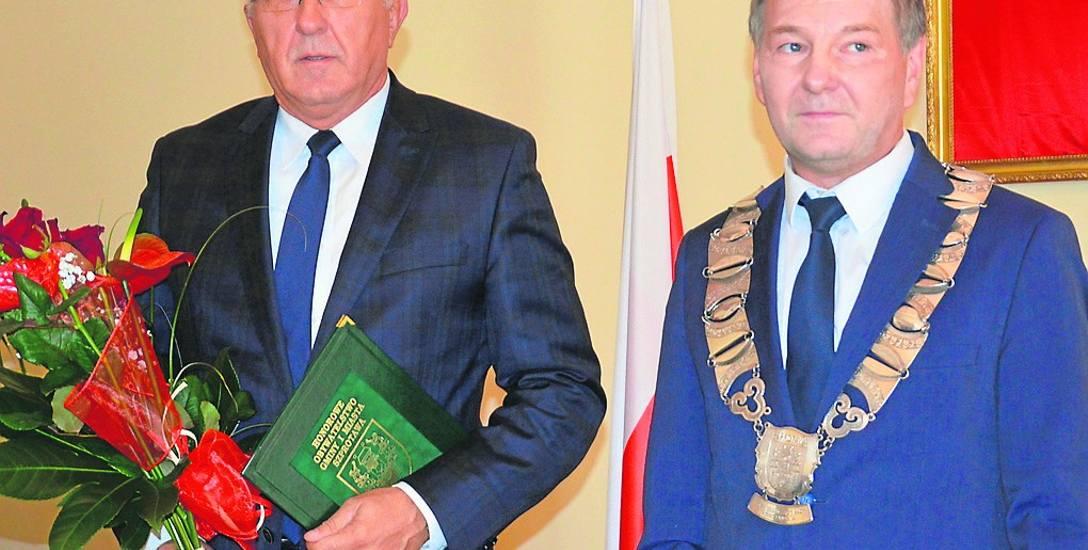 Tuż po uhonorowaniu tytułem Honorowego Obywatela Gminy Szprotawa prezydenta Nowej Soli Wadima Tyszkiewicza przez Andrzeja Skawińskiego, przewodniczącego