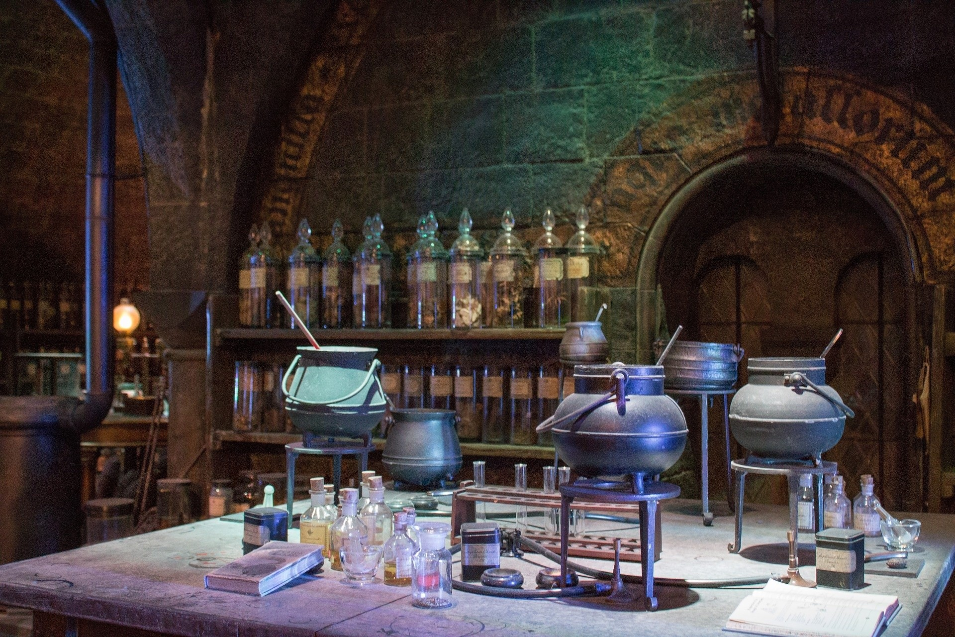 Peron 9 I ¾ Chatka Hagrida Hogwart łazienka Jęczącej