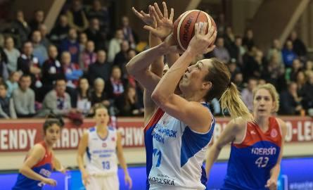 Ewelina Kobryn w barwach Wisły w meczu Euroligi.