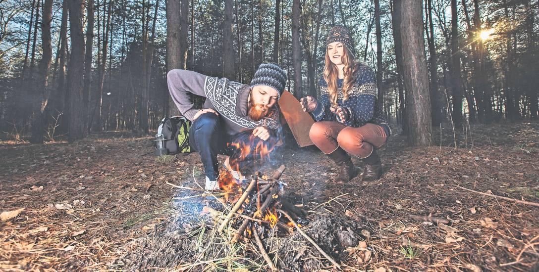 Piesze wycieczki, ognisko, obcowanie z naturą, to świetny pomysł na spędzanie czasu wolnego, także tego wakacyjnego.