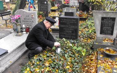 Franciszek Manikowski odwiedził grób swojego pradziadka 21 października ubiegłego roku. Zapalił symboliczny znicz i pomodlił się za duszę swojego pr