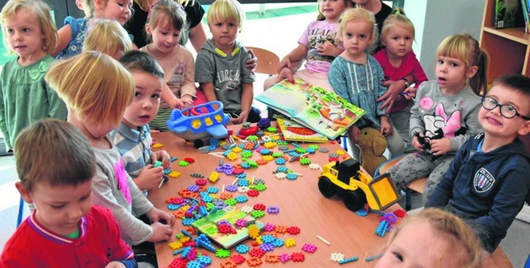W przedszkolu w Babicach są nowe zabawki, a prosto z sali można wyjść do ogrodu. Maluchy są zachwycone