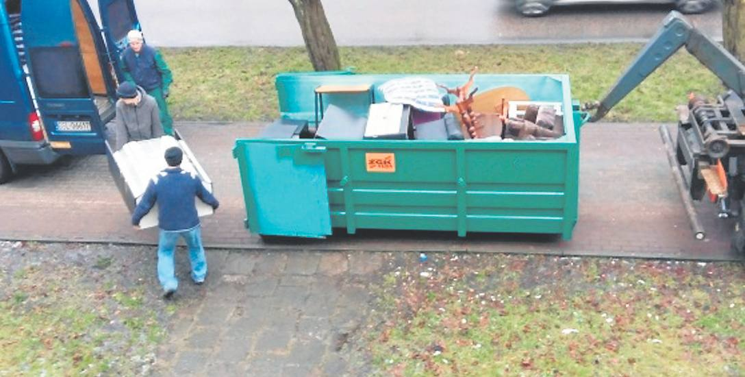 Meble do urządzenia mieszkania dla bezdomnych pozyskano z pustostanu