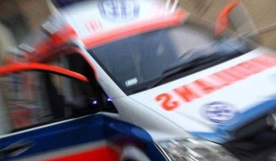 Film do artykułu: Gmina Promna. Jedna osoba trafiła do szpitala po wypadku drogowym