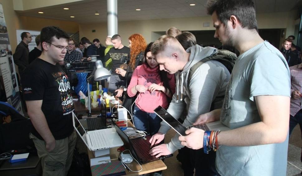 Film do artykułu: Tłumy studentów na Żaklinaliach na Politechnice Świętokrzyskiej (WIDEO, ZDJĘCIA)