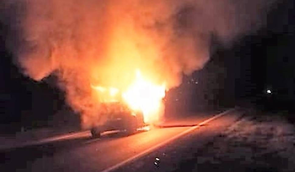 Film do artykułu: Groźny wypadek samochodowy na trasie Bytów - Kościerzyna. Przewodnicząca Rady Miejskiej cudem przeżyła! [ZDJĘCIA, WIDEO]