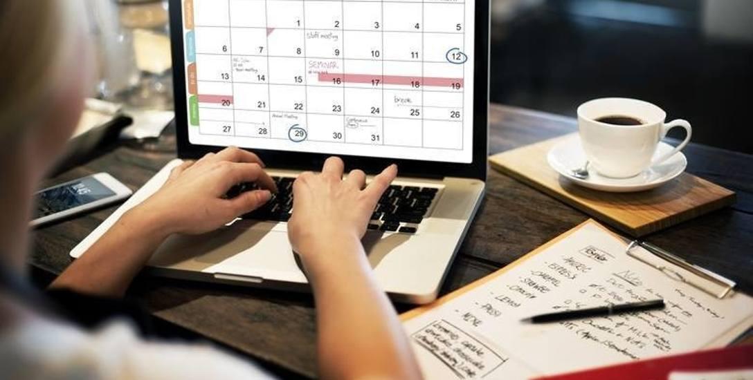 Coraz więcej pracowników już nie może się doczekać, kiedy spakują laptopy i znowu przekroczą mury firmy.