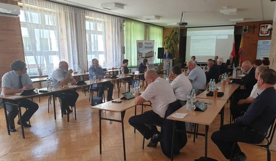 Film do artykułu: Absolutorium dla zarządu powiatu niżańskiego. Jest nadwyżka dochodów nad wydatkami w 2019 roku