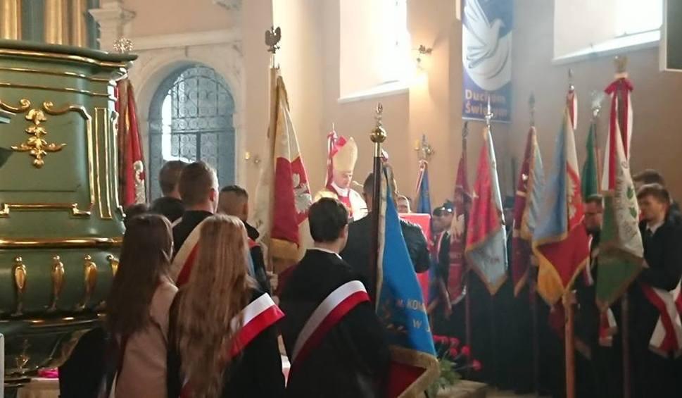 Film do artykułu: Święto Niepodległości w Jędrzejowie. Modlitwa, widowisko i... grochówka [WIDEO, zdjęcia]
