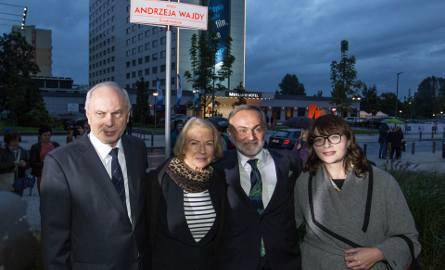 Pierwszy dzień festiwalu filmowego w Gdyni za nami. Miasto ma aleję im. Andrzeja Wajdy [ZDJĘCIA]