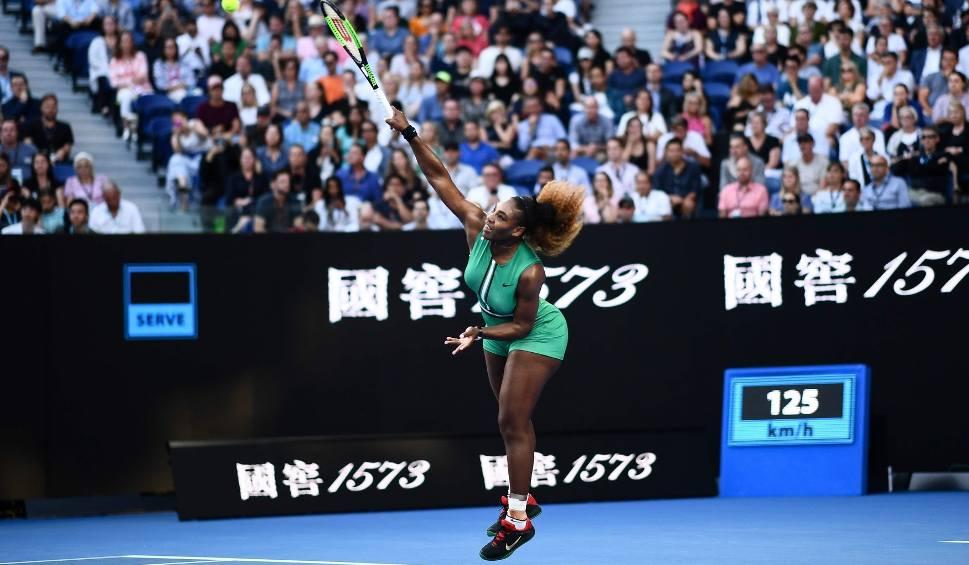 Film do artykułu: Australian Open. Serena Williams pokonała Simonę Halep i awansowała do ćwierćfinału