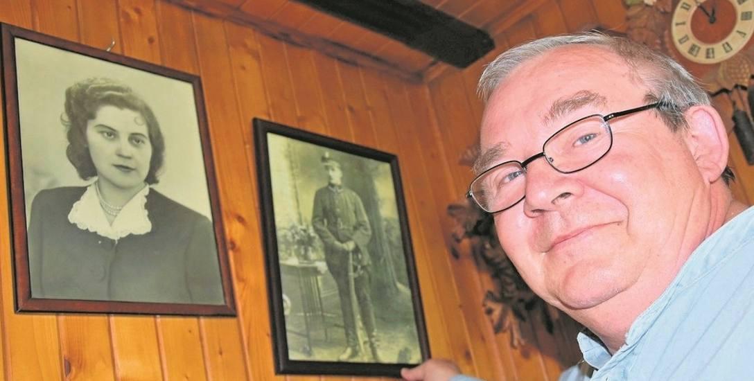 Zdjęcia swych przodków Włodzimierz Ćwikła nie tylko przechowuje w albumach i w laptopie. Niektóre wiszą też na ścianach jego mieszkania w Sławęcinku