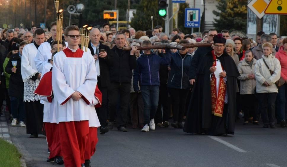 Film do artykułu: Droga krzyżowa parafii Zbawiciela Świata w Ostrołęce