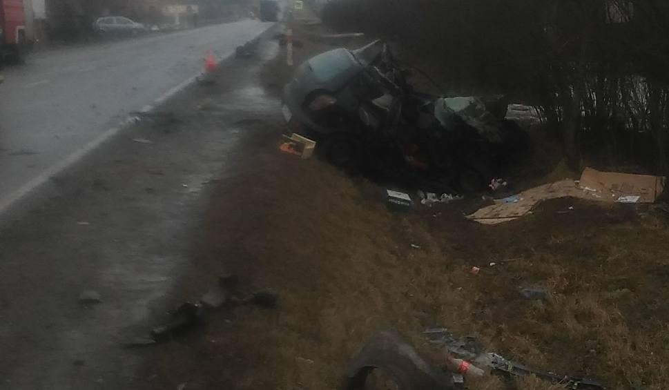 """Film do artykułu: Groźne zderzenie w Wyszmontowie na krajowej """"79"""""""