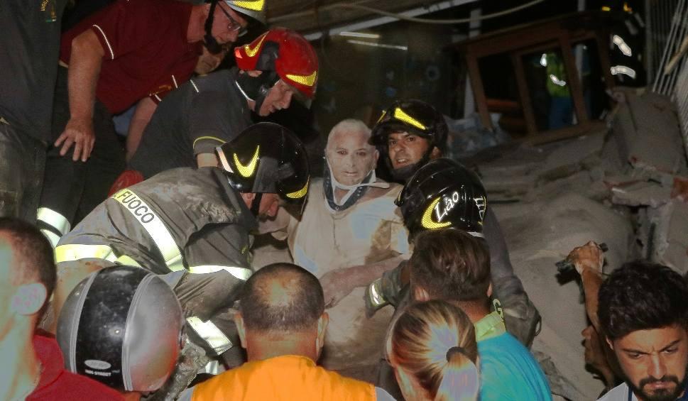 Film do artykułu: Trzęsienie ziemi we Włoszech na wyspie Ischia [ZDJĘCIA] [WIDEO] Zginęły dwie osoby, 39 rannych