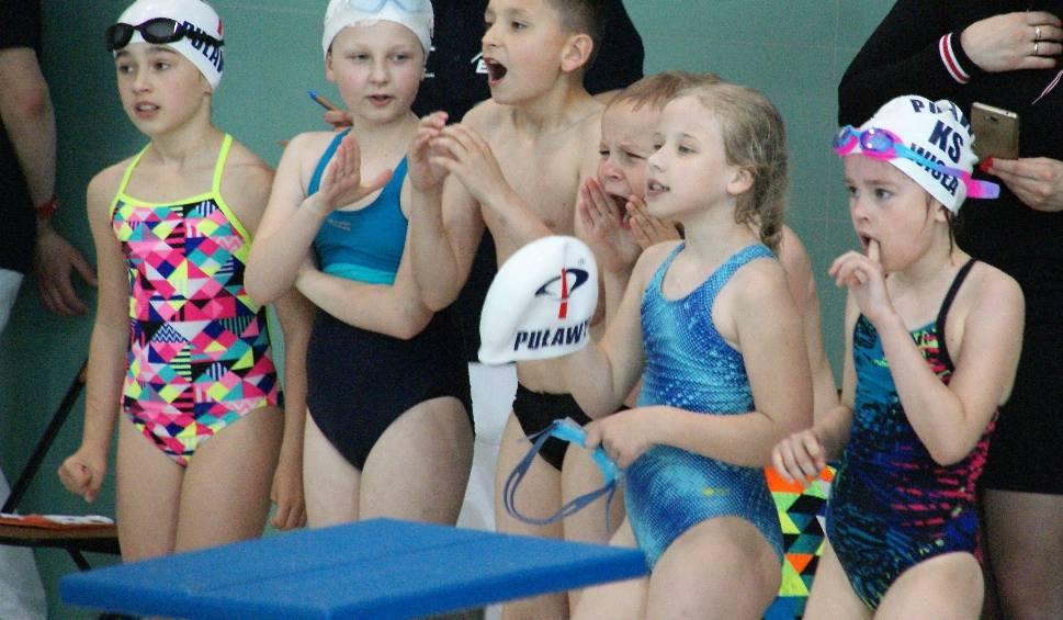 Film do artykułu: Ogólnopolskie zawody pływackie Pływam z Energią z okazji 40-lecia Elektrowni Połaniec odbyły się na pływalni w Staszowie