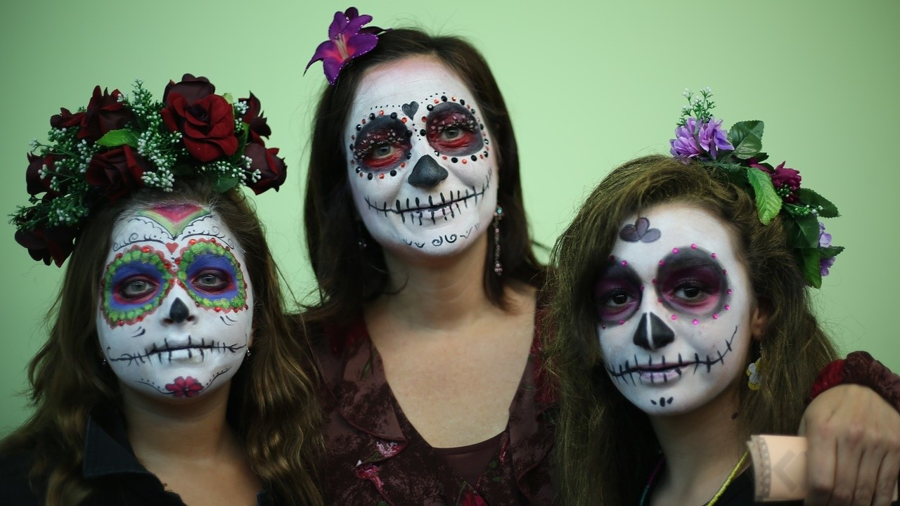 Makijaż Na Halloween Krok Po Kroku Doradzamy Jak Pomalować Twarz Na