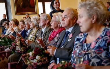 Jubileusz pożycia małżeńskiego gdańskich par. Pamiątkowe odznaczenia 29 małżeństwom wręczyła Aleksandra Dulkiewicz. Zdjęcia