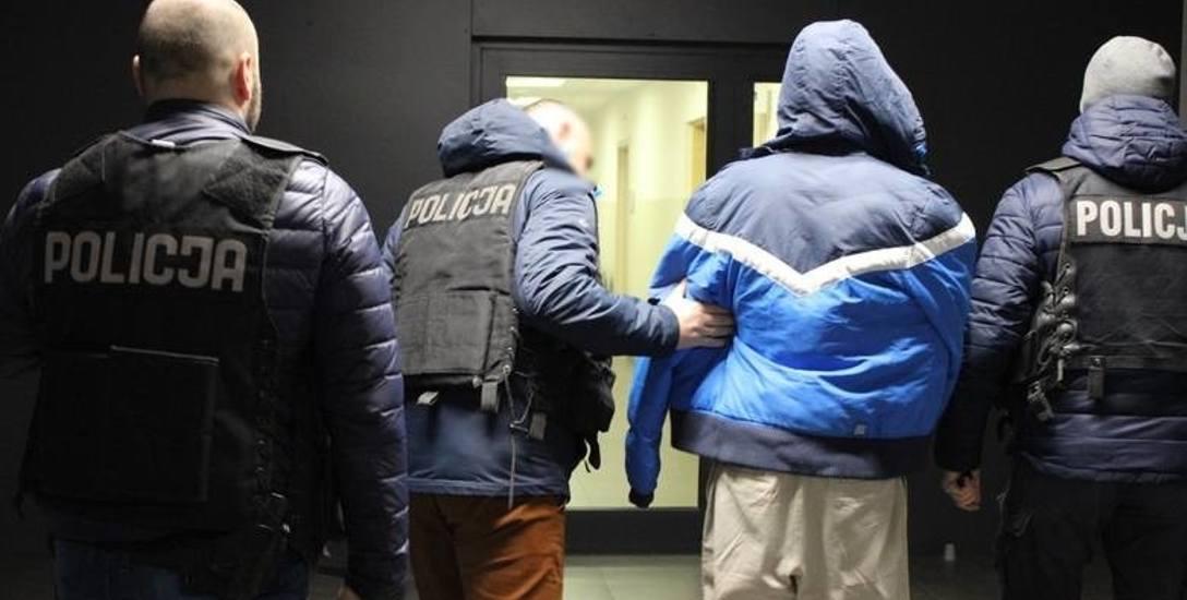 Podejrzani o dokonanie zabójstwa przy ulicy Czarlińskiego w Toruniu zostali zatrzymani krótko po zbrodni