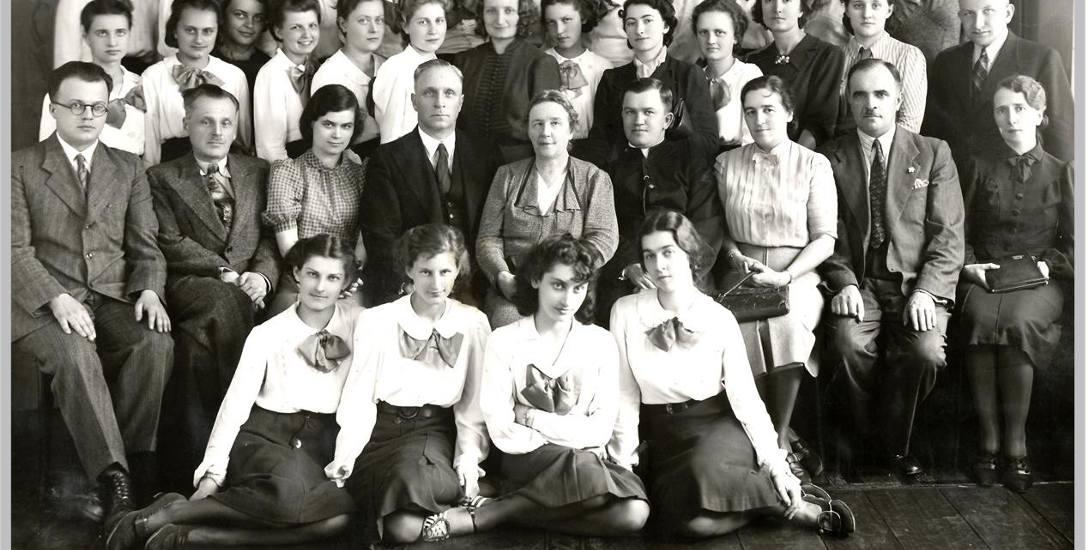 Maturzystki i grono pedagogiczne, 26 maja 1939 r.