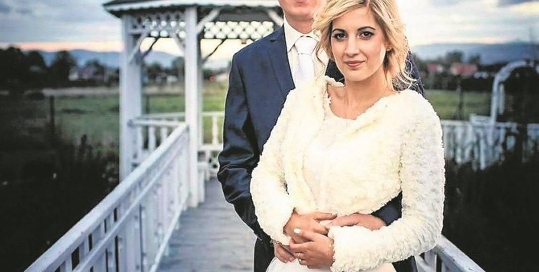 Karolina i Bartek dzięki sesji  ślubnej mają piękną pamiątkę