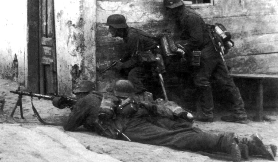 Film do artykułu: Historia Pomorza. Dąbie, ostatnie krwawe dni. Nadciąga sowiecki walec