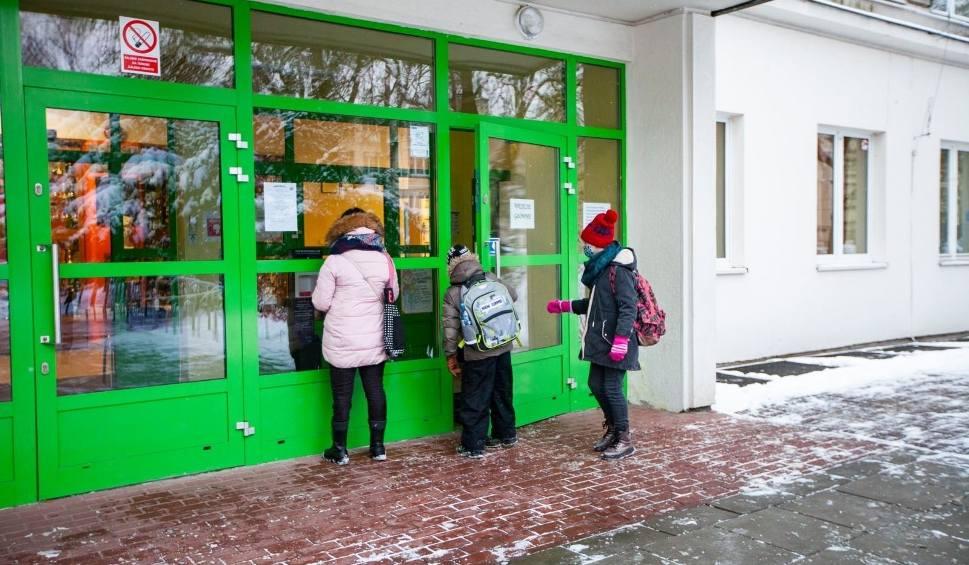 Film do artykułu: Od poniedziałku dzieci mogą wrócić do przedszkoli i żłobków w Rzeszowie. Czy placówki są gotowe? Na jakich zasadach powrót?