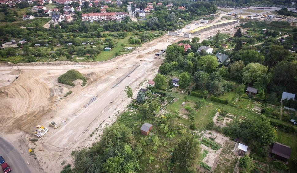 Film do artykułu: Przedłużenie Bohaterów Monte Cassino w Lublinie. Z wizytą na wielkim placu budowy (ZDJĘCIA Z DRONA)