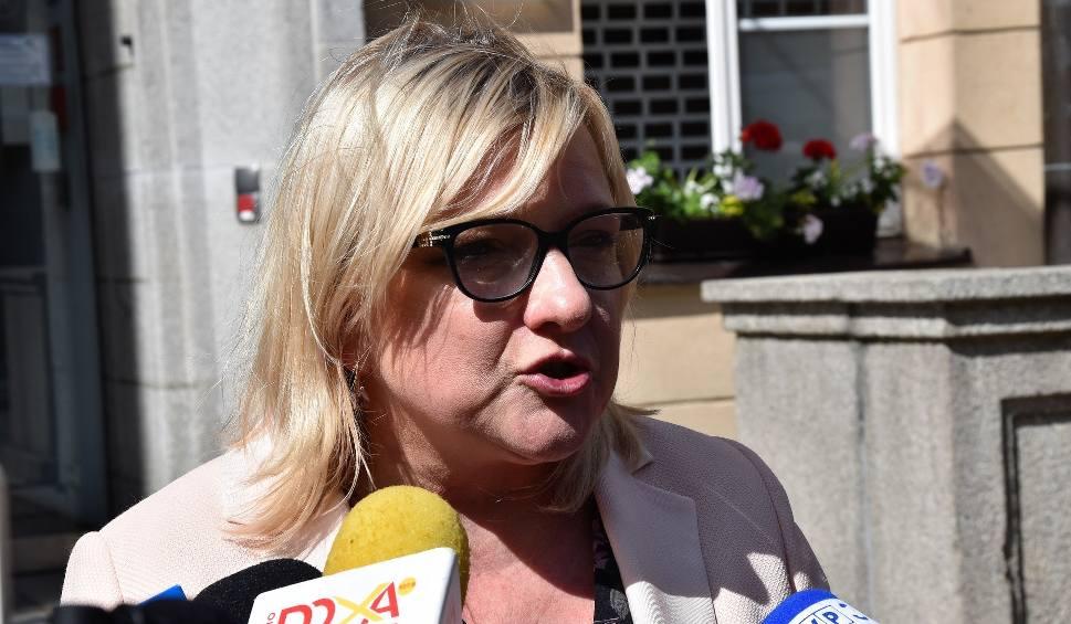Film do artykułu: Eurowybory 2019. Beata Kempa przejmuje biuro po Patryku Jakim. W Brukseli chce m.in. edukować feministki